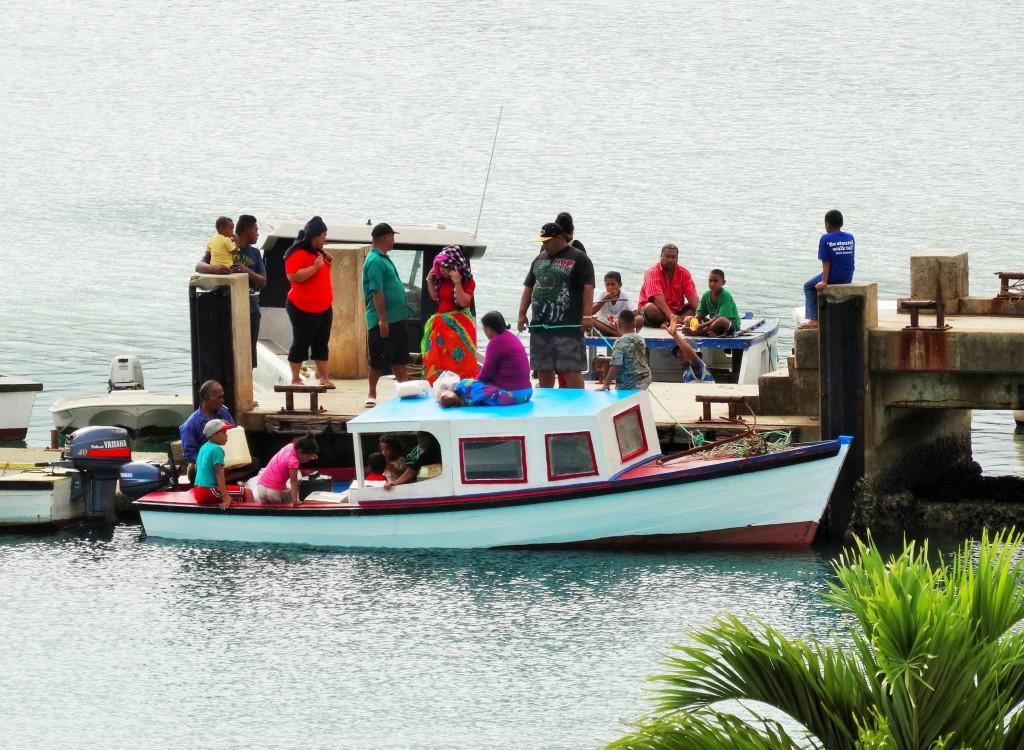 Essen, faul rumsitzen und Boot fahren scheinen die Lieblingsbeschäftigungen der Tonganer zu sein