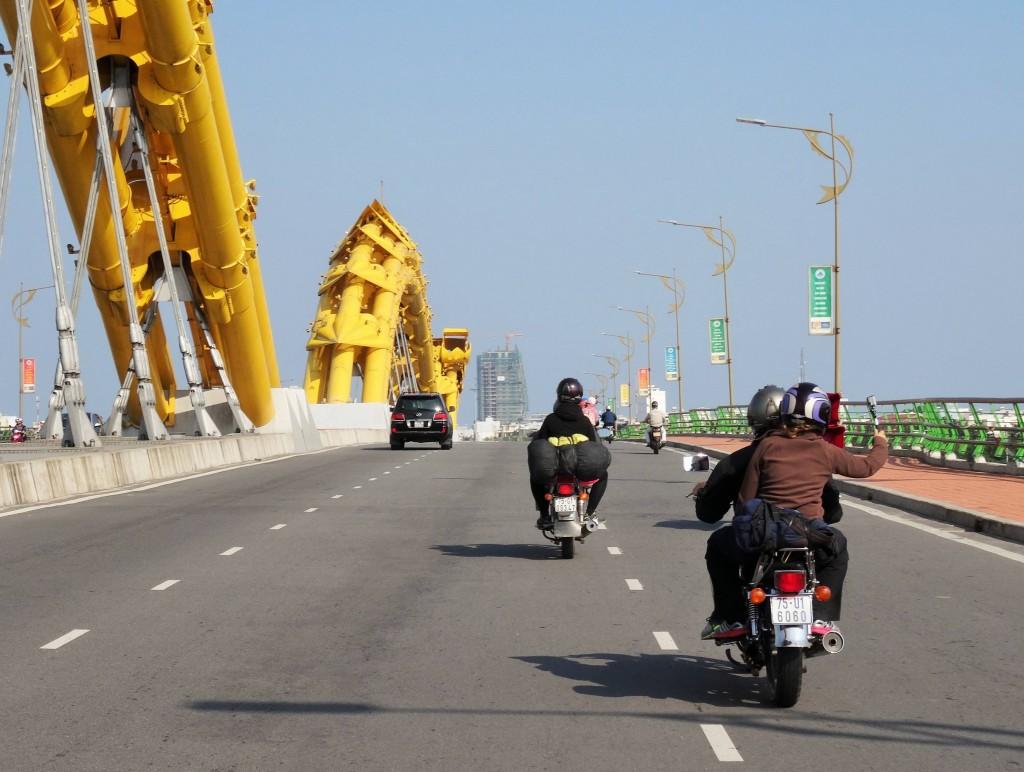 Auf Töfftour von Hue nach Hoi An...