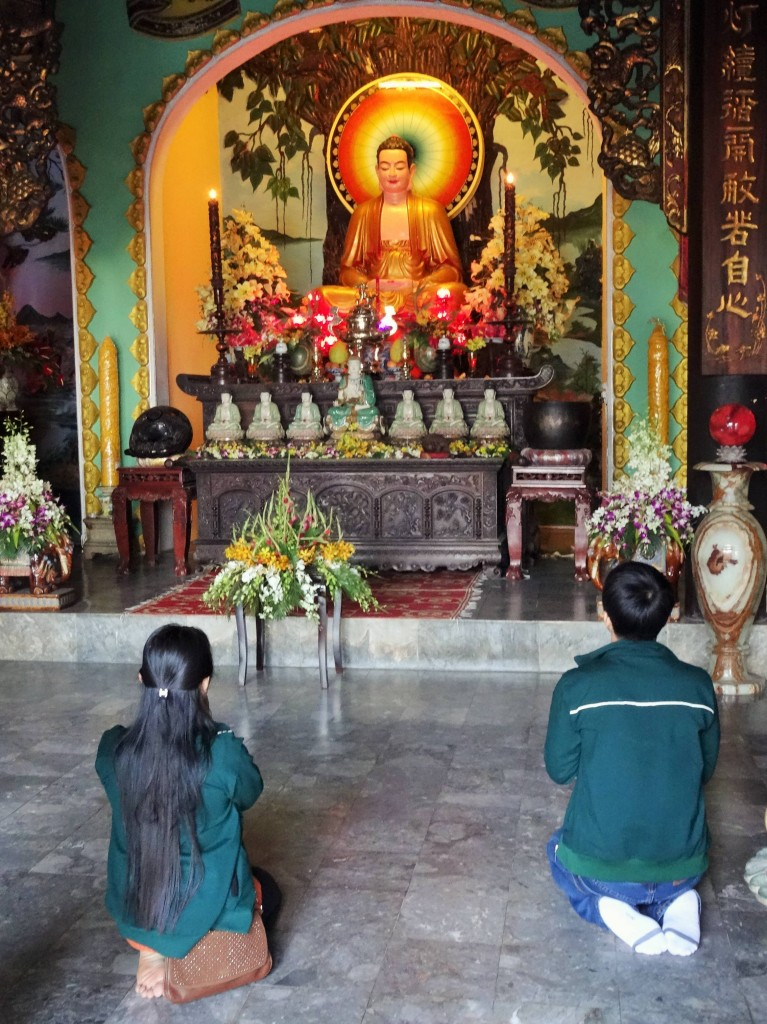 Die verschiedenen Glaubensrichtungen vermischen sich in Vietnam oder existieren nebeneinander.
