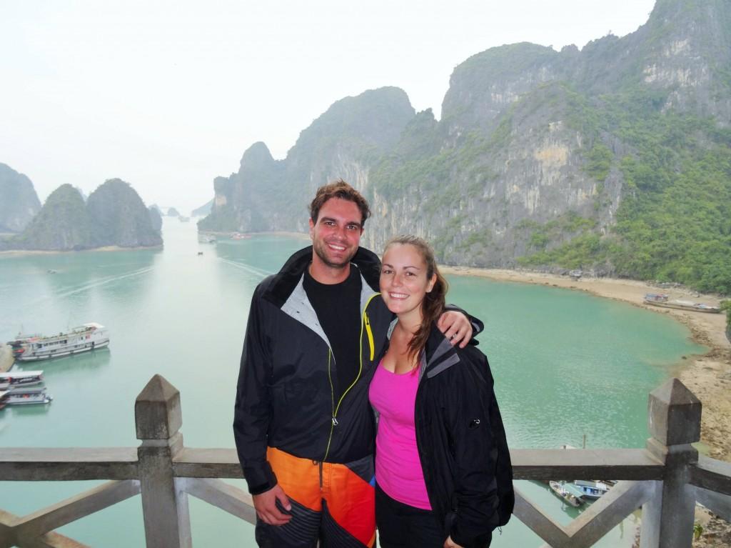 Grüsse aus der weltbekannten Halong - Bucht