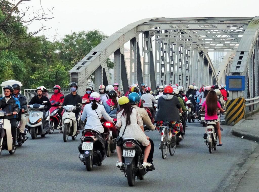 In Vietnam wimmelt es nur so  von Mopeds