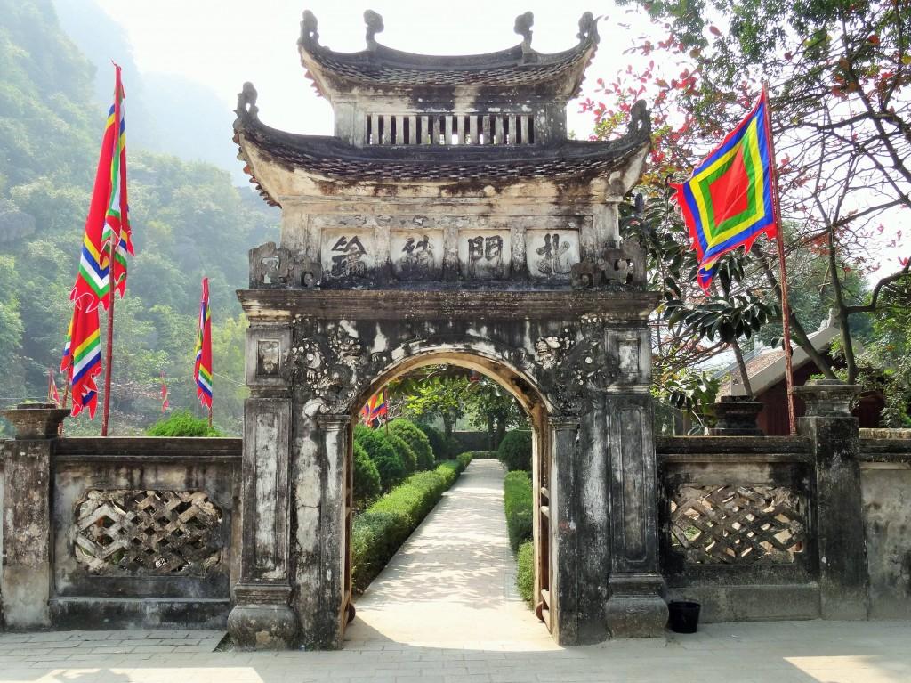 Unser erster Tempel in Vietnam... es folgen noch einige...