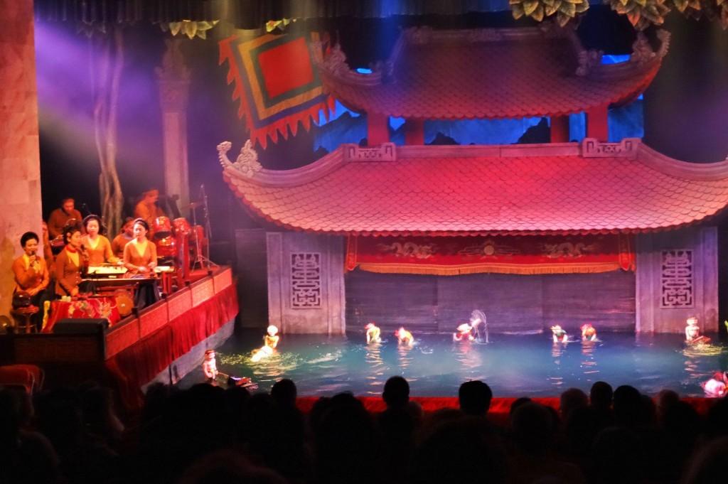 ... im Vietnamesischen  Wasserpuppen - Theater