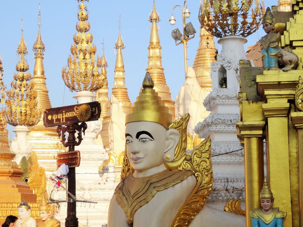 Die Anlage der Shwedagon Pagode ist DAS religiöse Zentrum Myanmars