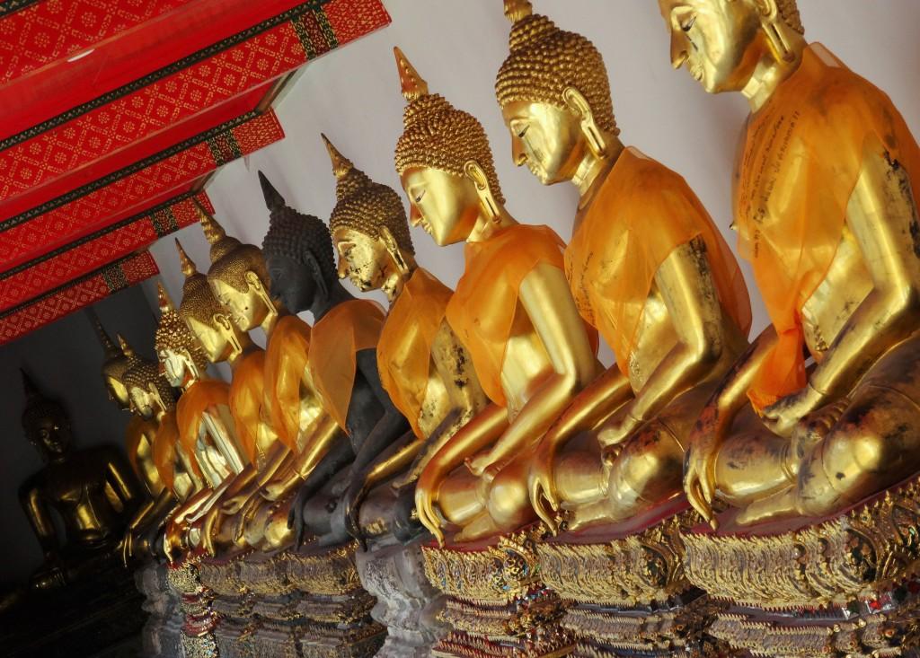 ... noch mehr Buddhas ...