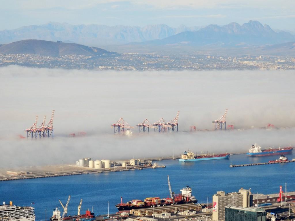 Nebelschleier über Kapstadt